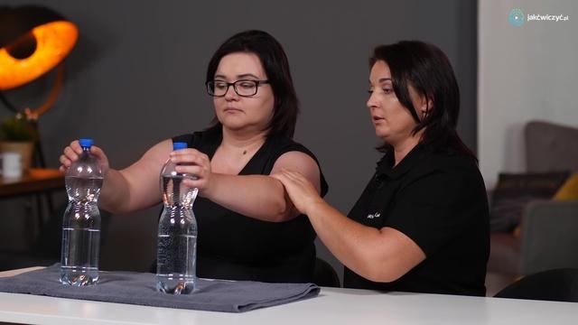 Ćwiczenie 5: Aktywności rąk z wykorzystaniem piłki oraz butelek