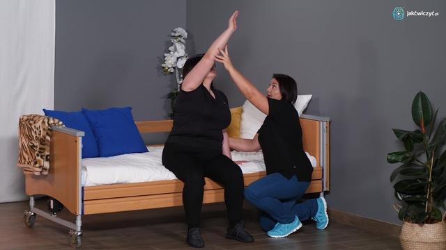 Ćwiczenie 1: Aktywności rąk i tułowia w siadzie na łóżku