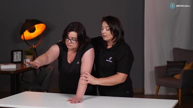 Ćwiczenie 3: Ćwiczenie ręki w staniu z przechodzeniem do podporu na przedramionach