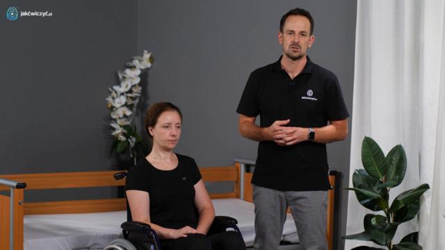 Jak prawidłowo ułożyć rękę pacjenta w wózku?
